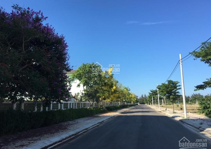 Đi nước ngoài bán gấp lô đất biển Đà Nẵng 3,6 triệu/m2 - đường 17,5m. Đối diện trung tâm thương mại